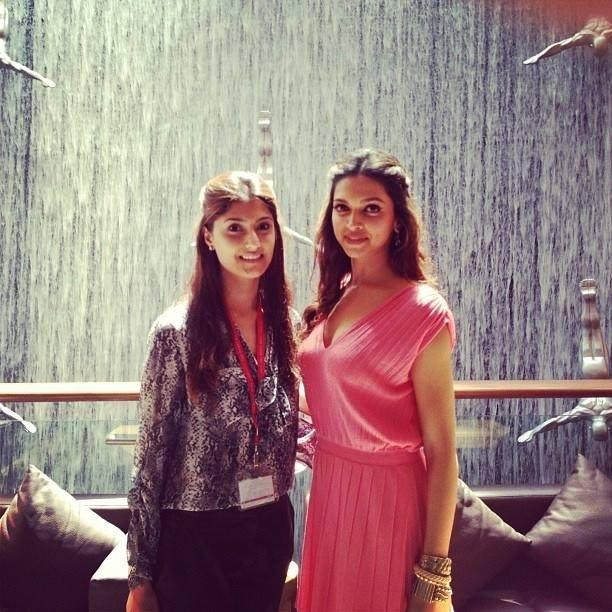 Deepika Padukone Posed With A Fan On The Sets Of Happy New Year Movie