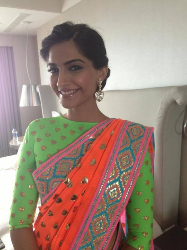 Sonam Kapoor Smiling Look At All New Filmfare Magazine Launch Press Conference