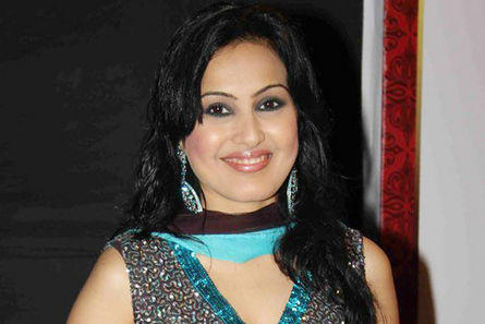 Kamya Panjabi Beautiful Smiling Face Look Pic