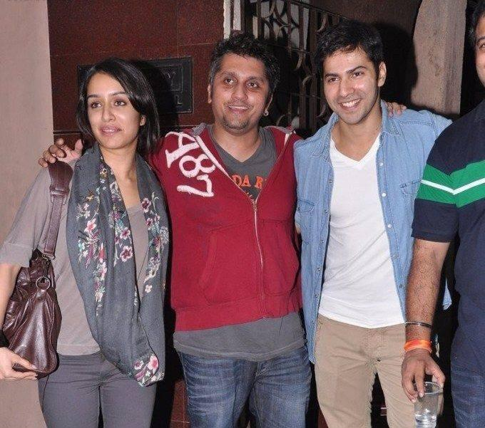Mohit,Varun And Shraddha Cool Smiling Look At The Special Screening Of Grand Masti