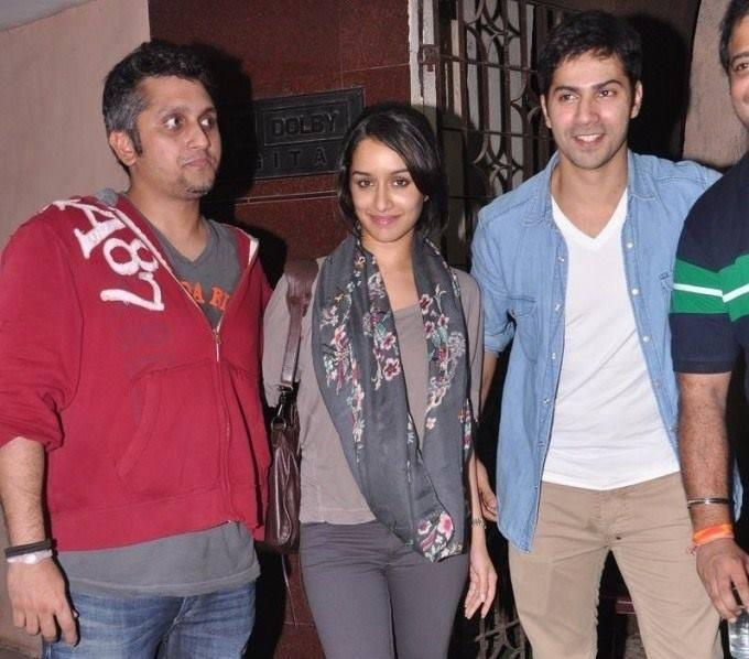 Mohit,Varun And Shraddha Posed During The Special Screening Of Grand Masti