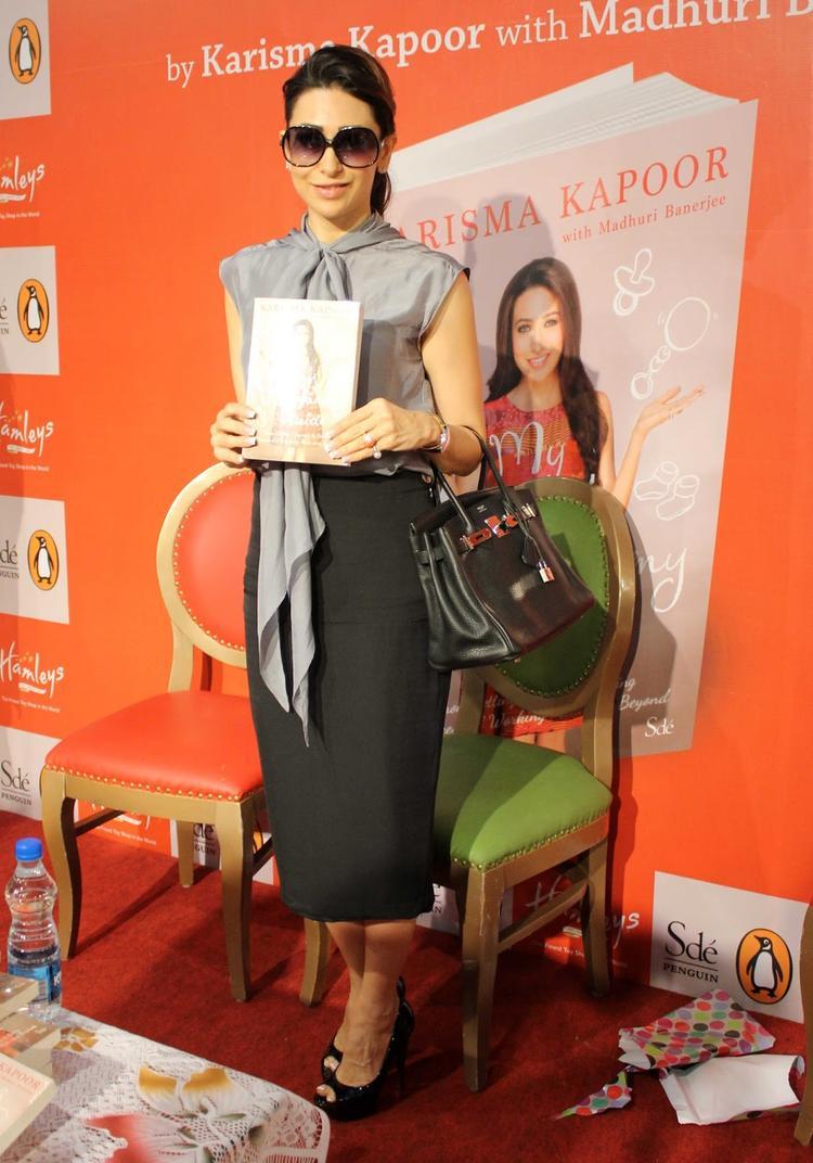 Karisma Kapoor Launches Yummu Mummy Guide Book In Mumbai