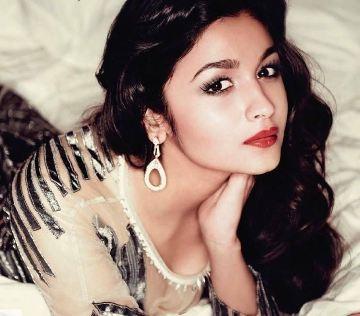Alia Bhatt Lovely Face Look Pic For Hello India 2013 Issue