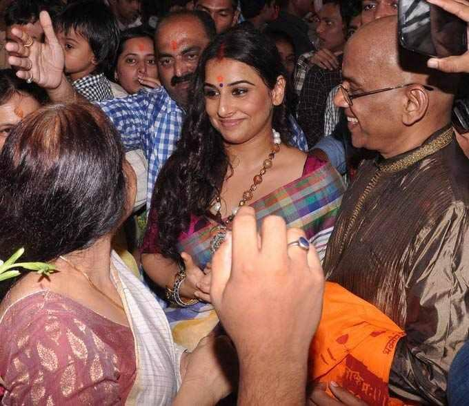 Vidya Balan Visits At Siddhivinayak Temple In Mumbai