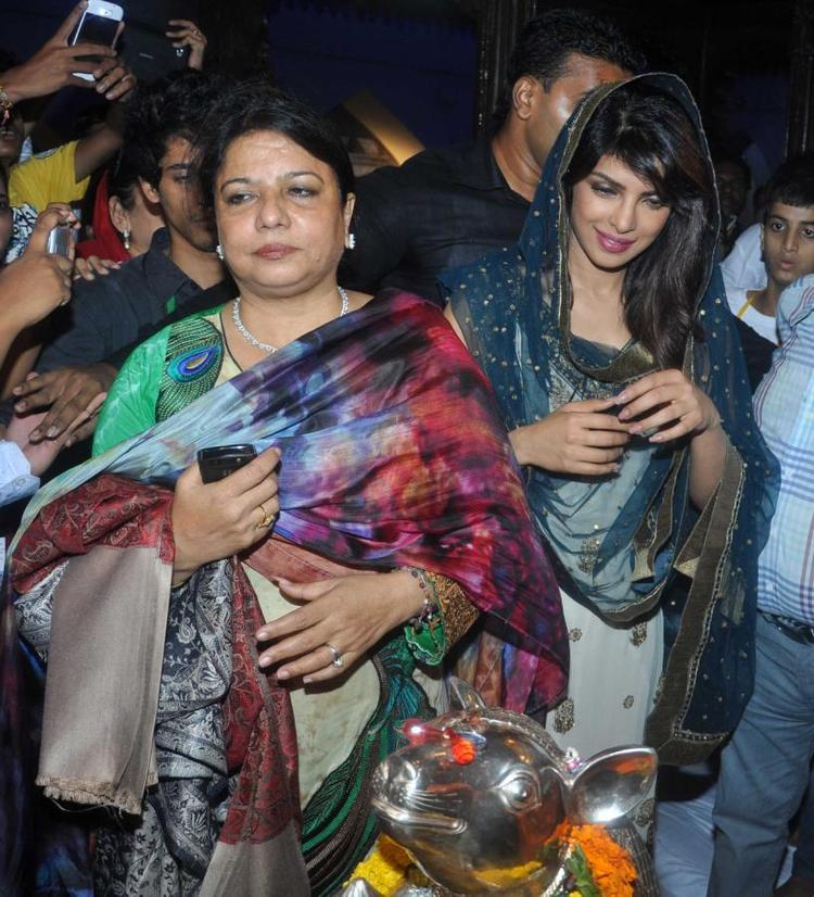 Priyanka Chopra And Her Mother At Ganapati Andheri Cha Raja 2013