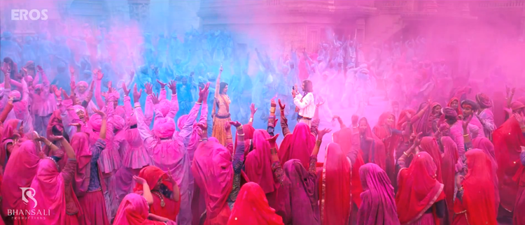 Ranveer Singh Holi Playing Still From Ram Leela Movie