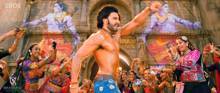 Ranveer Singh Sexy Hot Look Still From Ram Leela Movie