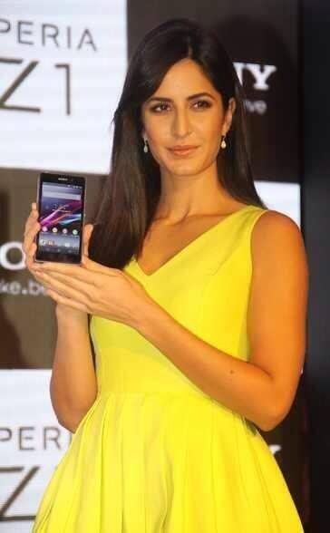 Katrina Kaif Launches Sony Xperia Z1 Smartphone