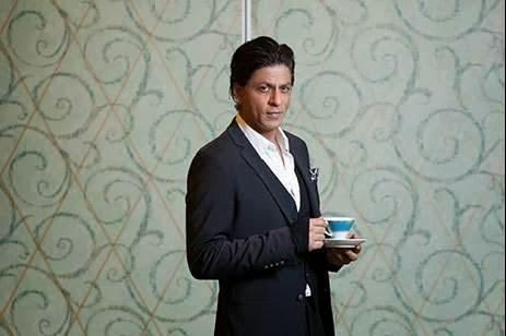 SRK Dappers Look In Suit Photo Shoot For The National In Dubai