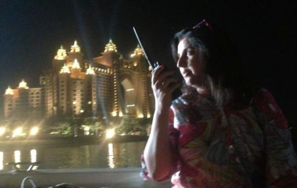 Farah Khan Nice Pose On The Sets Of Happy New Year At Dubai