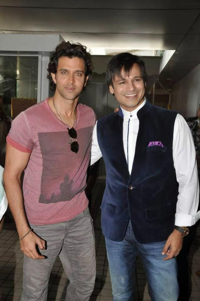 Hrithik And Vivek Spotted At A Ganesha Pandal For Krrish 3 Music Launch
