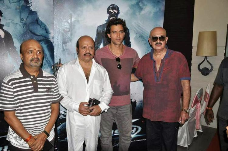 Hrithik With Dad And Other Celebs At The Music Launch Event Of Krrish 3