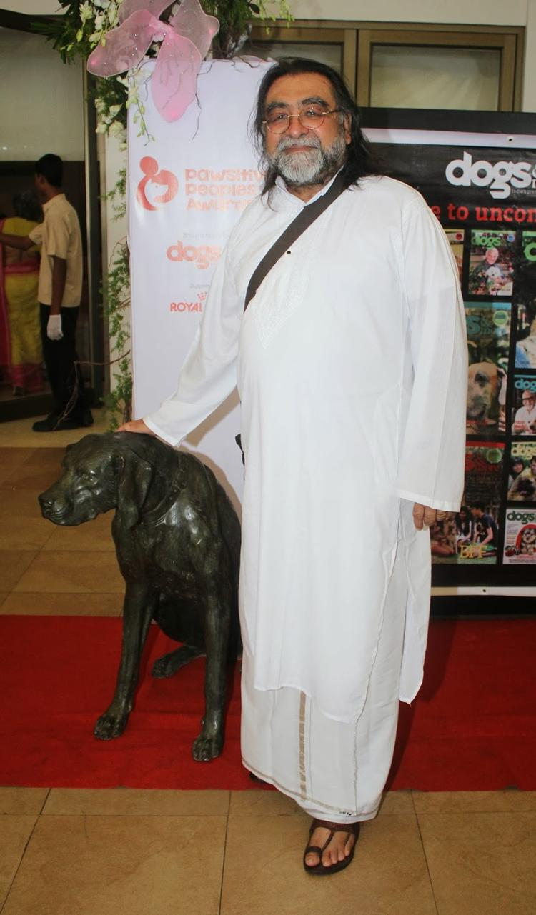 Prahlad Kakkar Snapped At Pawsitive People's Awards in Mumbai With His Dog
