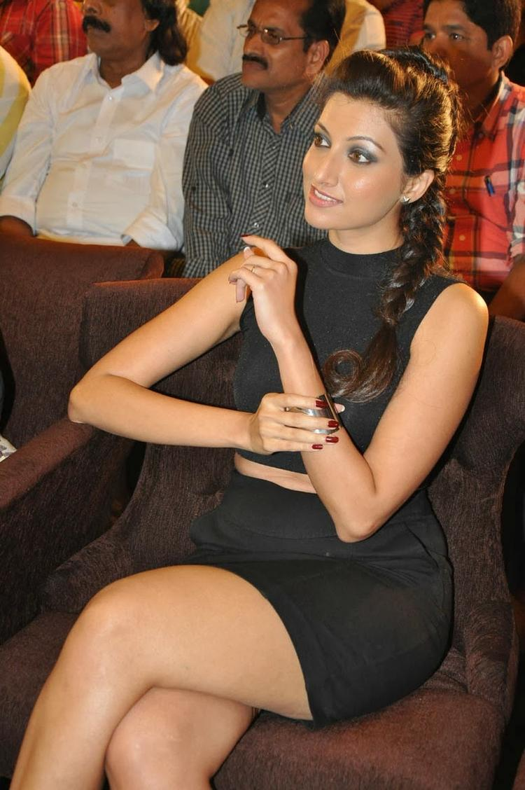 Hamsa Nandini In Black Dress Sizzles At Ramaiya Vastavaiya Audio Release Function