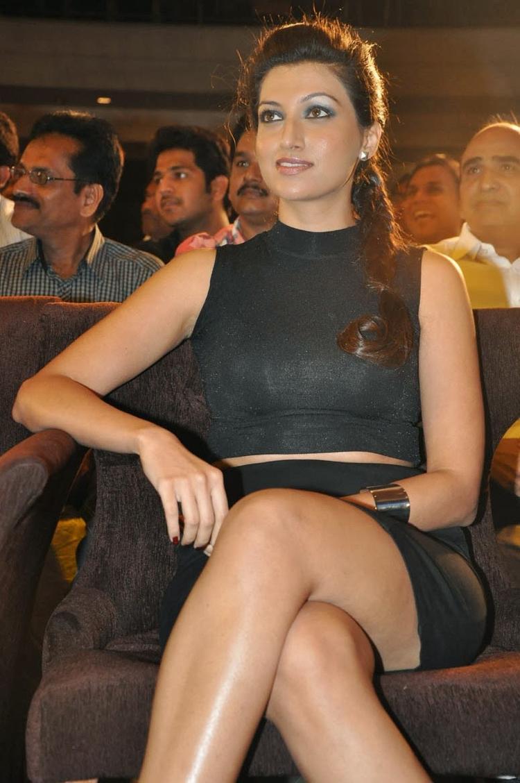 Hamsa Nandini Sexy Look At Ramaiya Vastavaiya Audio Release Function