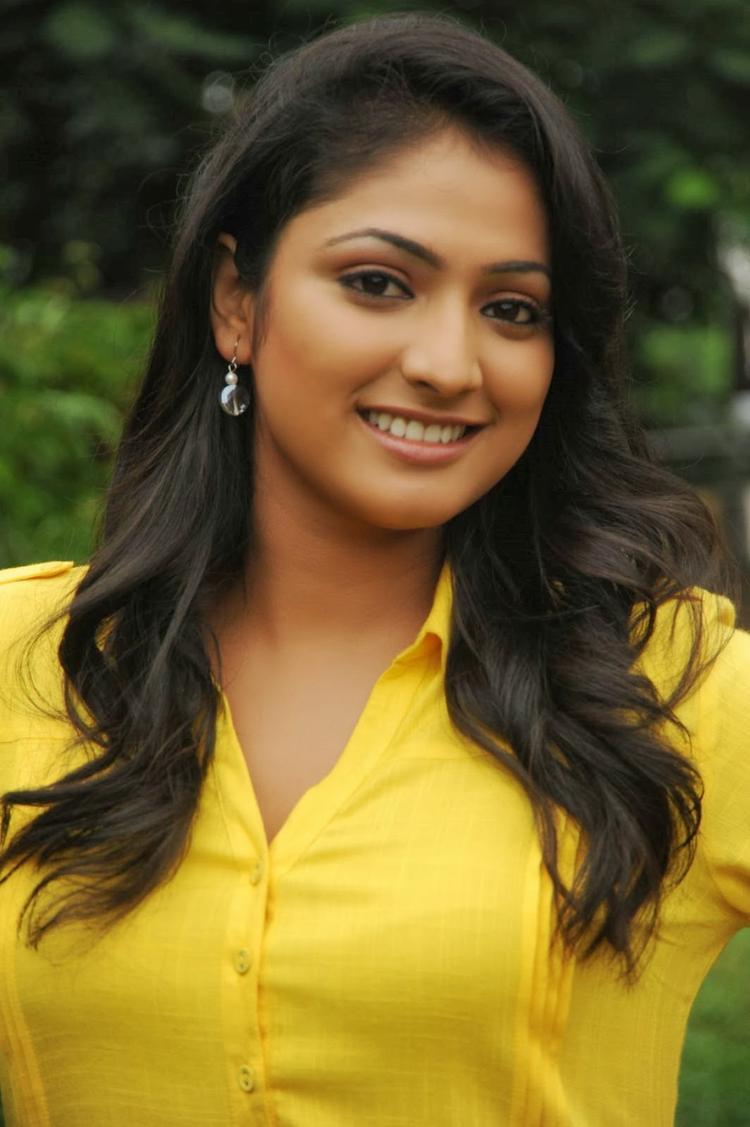 Haripriya Cool Smiling Look On The Sets Of Ee Varsham Sakshiga Movie