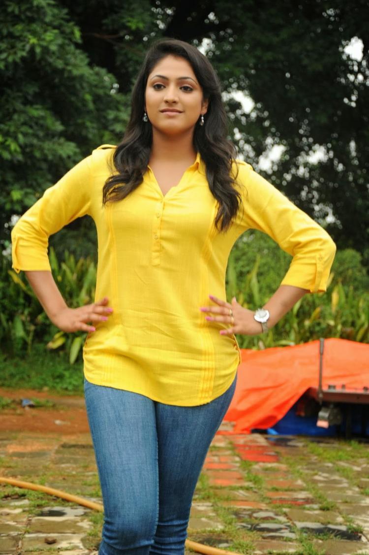 Haripriya Glamour Look Still On Ee Varsham Sakshiga Movie Location