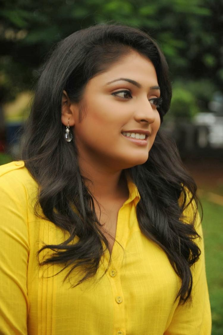 Haripriya Nice Look On The Sets Of Ee Varsham Sakshiga Movie