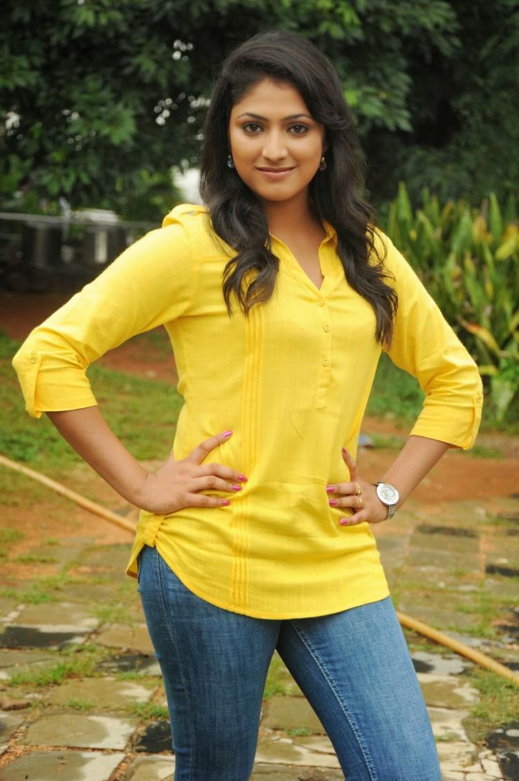Haripriya Sizzles On Ee Varsham Sakshiga Movie Location