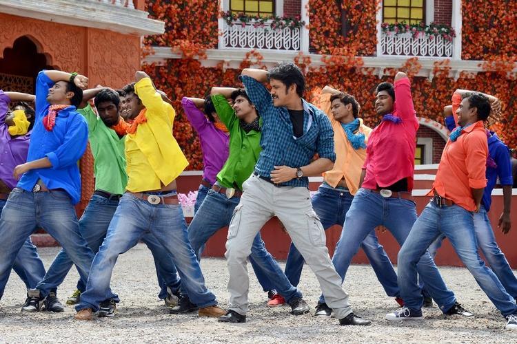 Nagarjuna Akkineni Cool Rocking Still From Bhai Movie