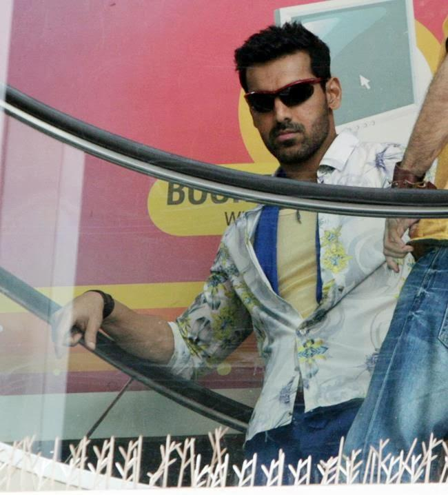 John Abraham Stylish Look On The Sets Of Welcome Back Movie