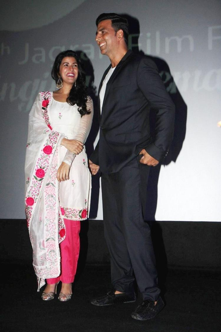 Nimrat And Akshay Posed For Camera At 4th Jagran Film Festival Launching Event