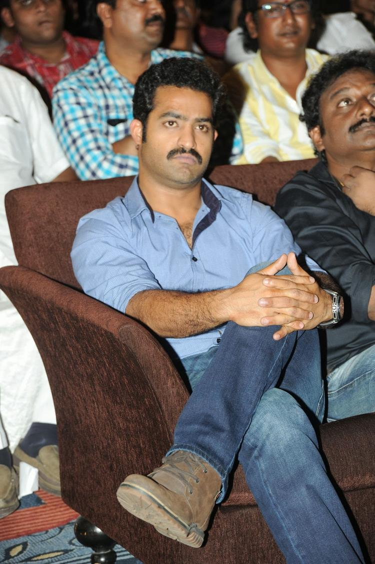 Jr. NTR Stylish Look At Ramayya Vastavayya Audio Release Function