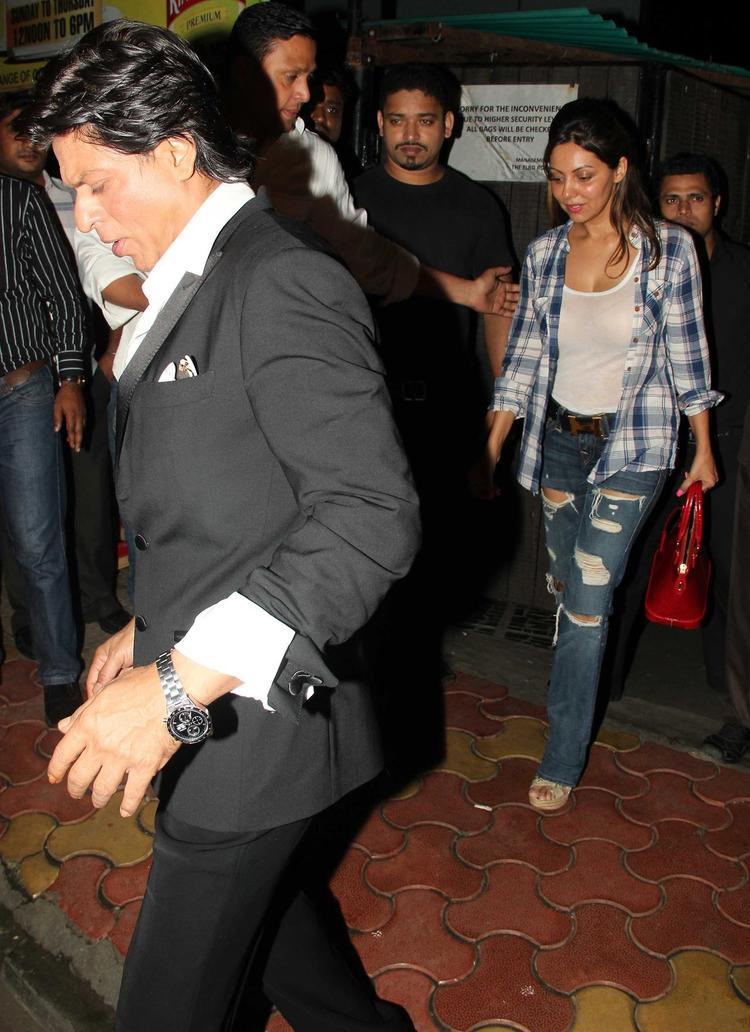 SRK And Wife Gauri Attend Yogesh Lakhani's Birthday Bash 2013