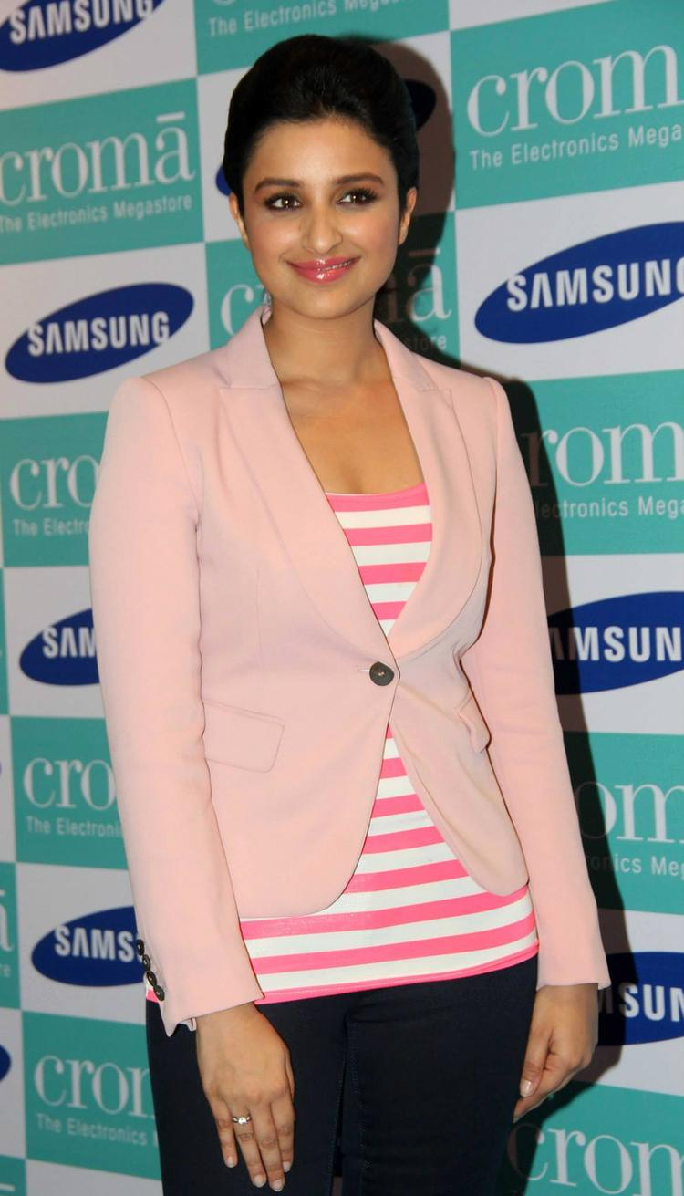 Parineeti Chopra Poses During The Samsung Galaxy Note 3 Launch Event