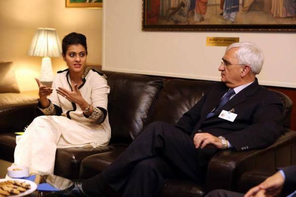 Kajol And Salman Khurshid Discussed At The UN Meeting In New York