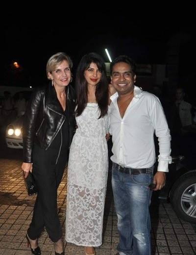 Priyanka And Mushtaq Posed At Warning 3D Film Premiere Show
