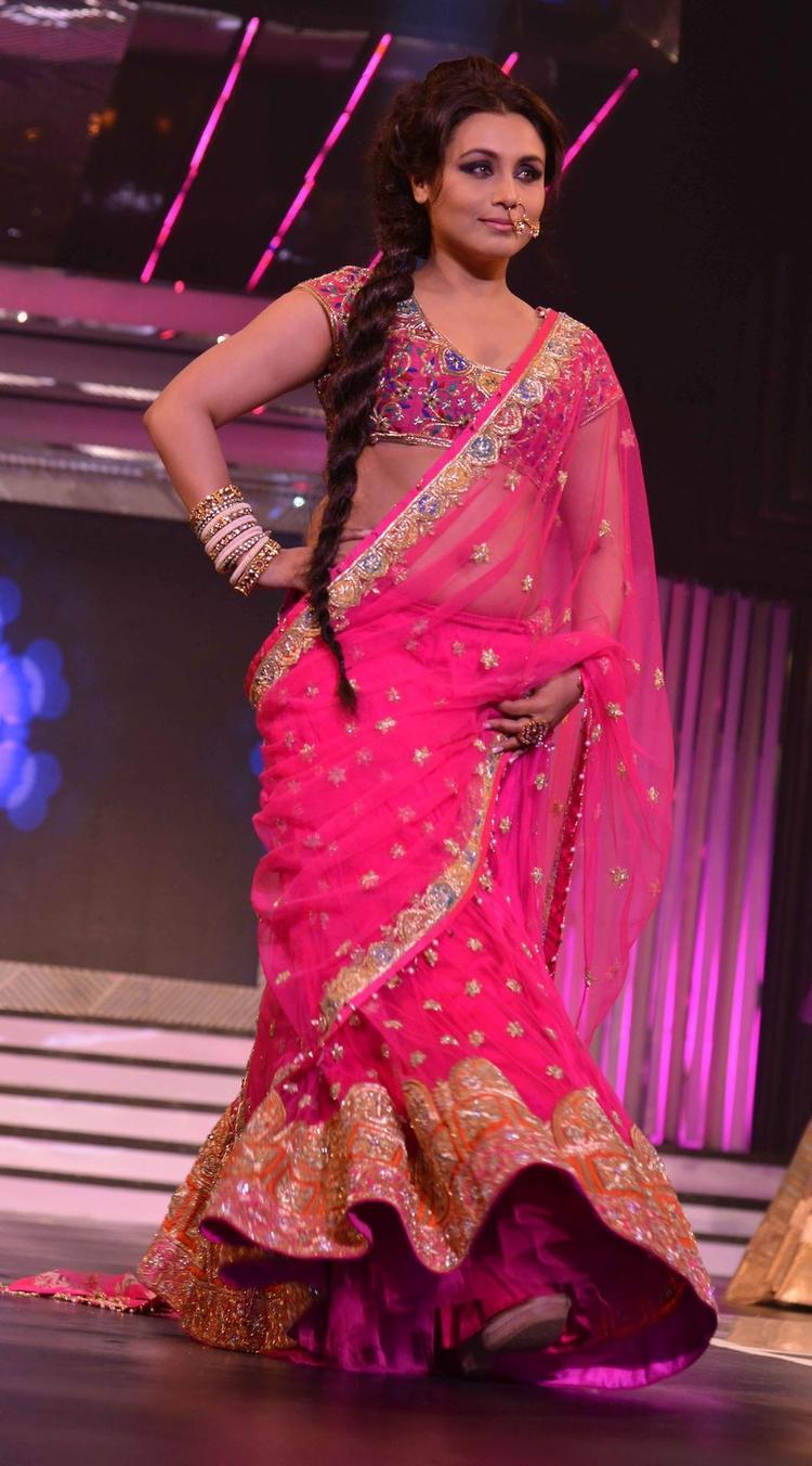 Rani Mukerji Stunned During The Late Yash Chopra's 81st Birth Anniversary
