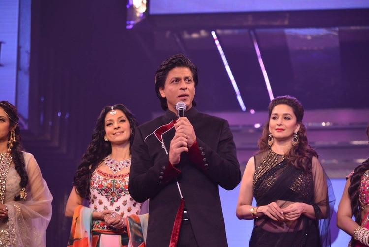 SRK Narrated Some Old Memories On Ramp At Late Yash Chopra's 81st Birth Anniversary