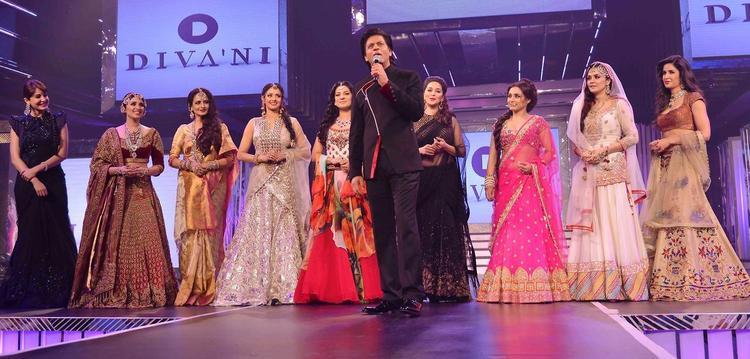 SRK,Anushka,Parineeti,Rekha,Sridevi,Juhi,Madhuri,Rani,Preity And Katrina On Ramp At Late Yash Chopra's 81st Birth Anniversary