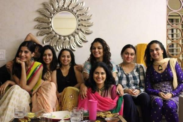 Shraddha Kapoor Clicked With Her Friends In Delhi