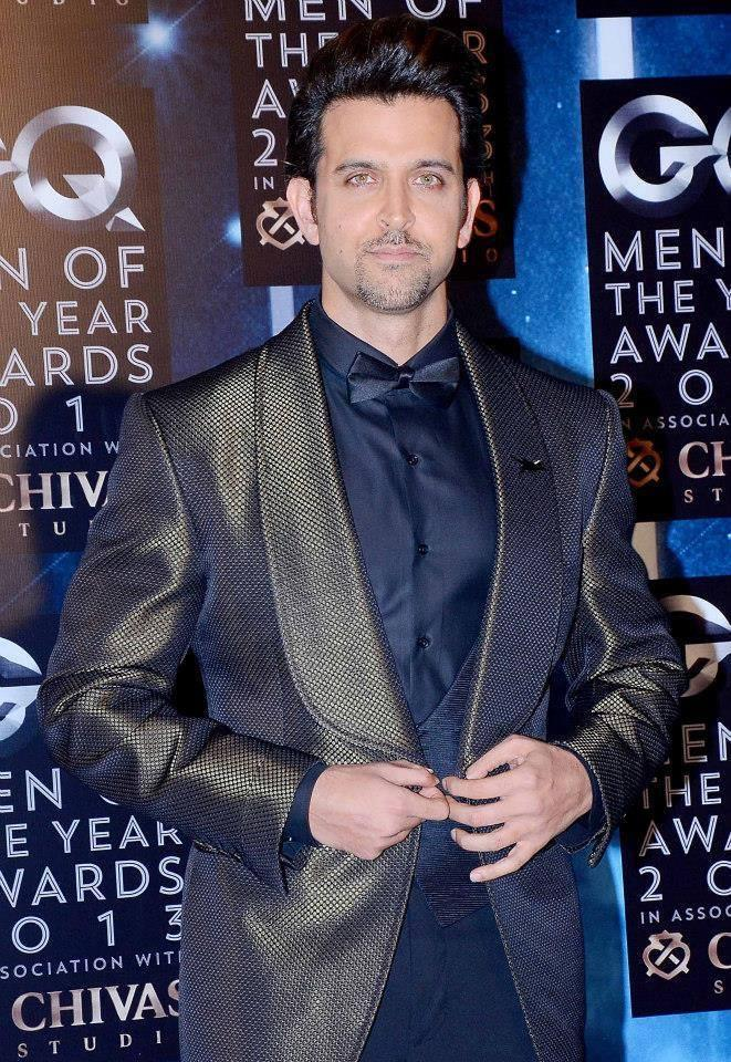 Hrithik Roshan Dappers Look In Suit At GQ Men Of The Year Awards 2013