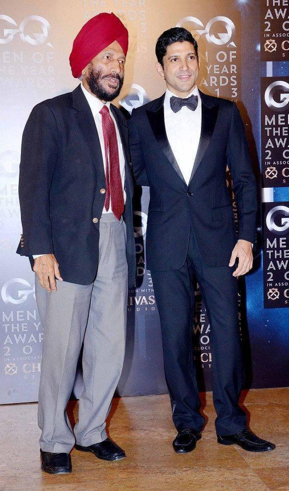 Milkha Singh Posed With Farhan Akhtar At GQ Men Of The Year Awards 2013
