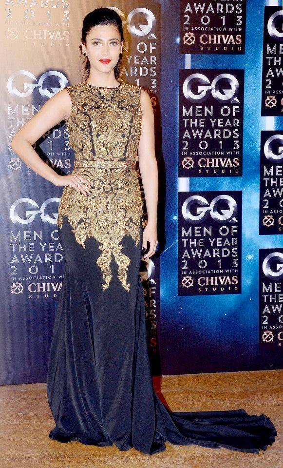 Shruti Haasan Strikes A Pose At GQ Men Of The Year Awards 2013