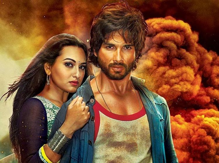 Sonakshi And Shahid Graced On R...Rajkumar Movie First Look Poster