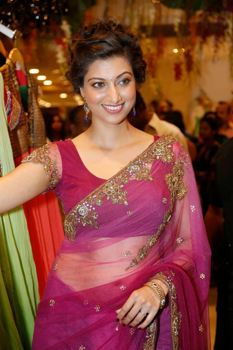 Hamsa Nandini Cool Smiling Pose At Kalamandir Saree Store Showroom Launch Event