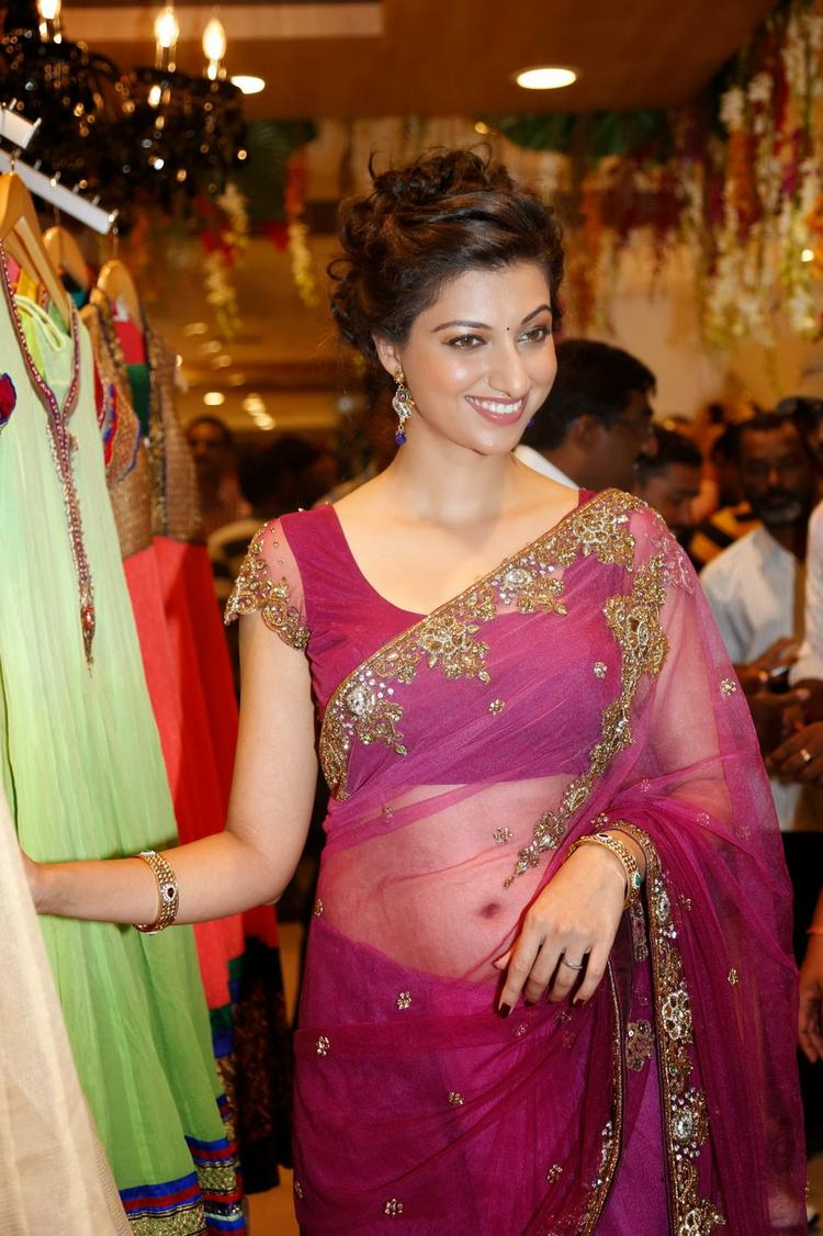 Hamsa Nandini Navel Show Hot Pose During The Launch Of Kalamandir Saree Showroom At Hyderabad