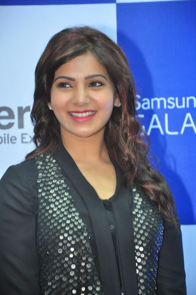Samantha Cute Smiling Look During The Launch Of Samsung Galaxy Note III At Chennai