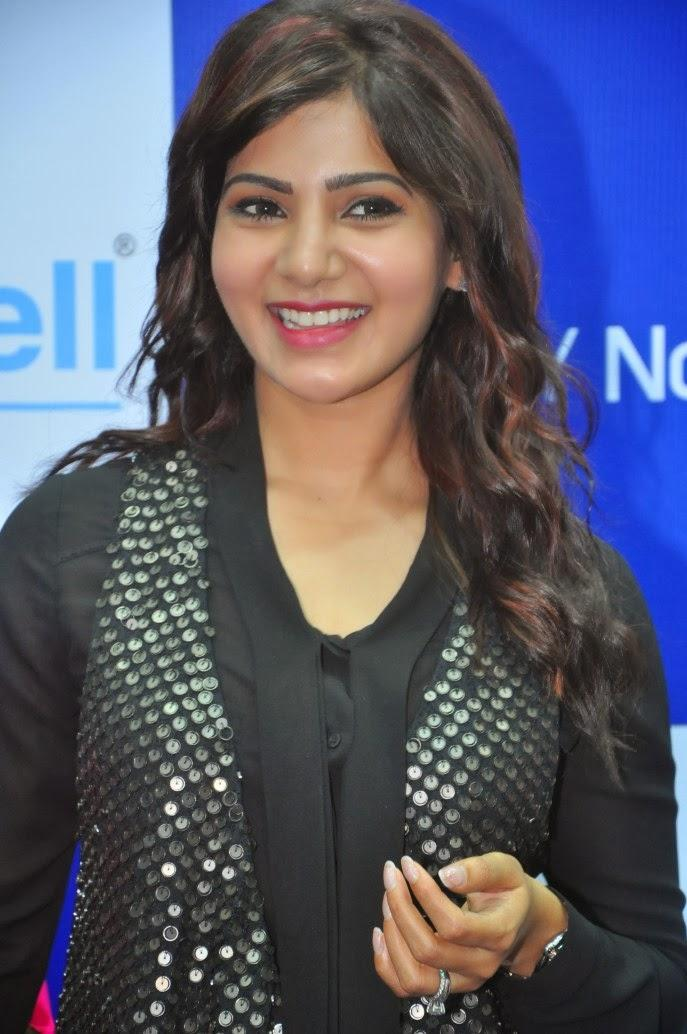 Samantha Fashionable Look During The Launch Of Samsung Galaxy Note III At Chennai
