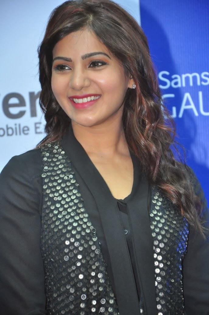 Samantha Smiling Look At Samsung Galaxy Note III Launch Event