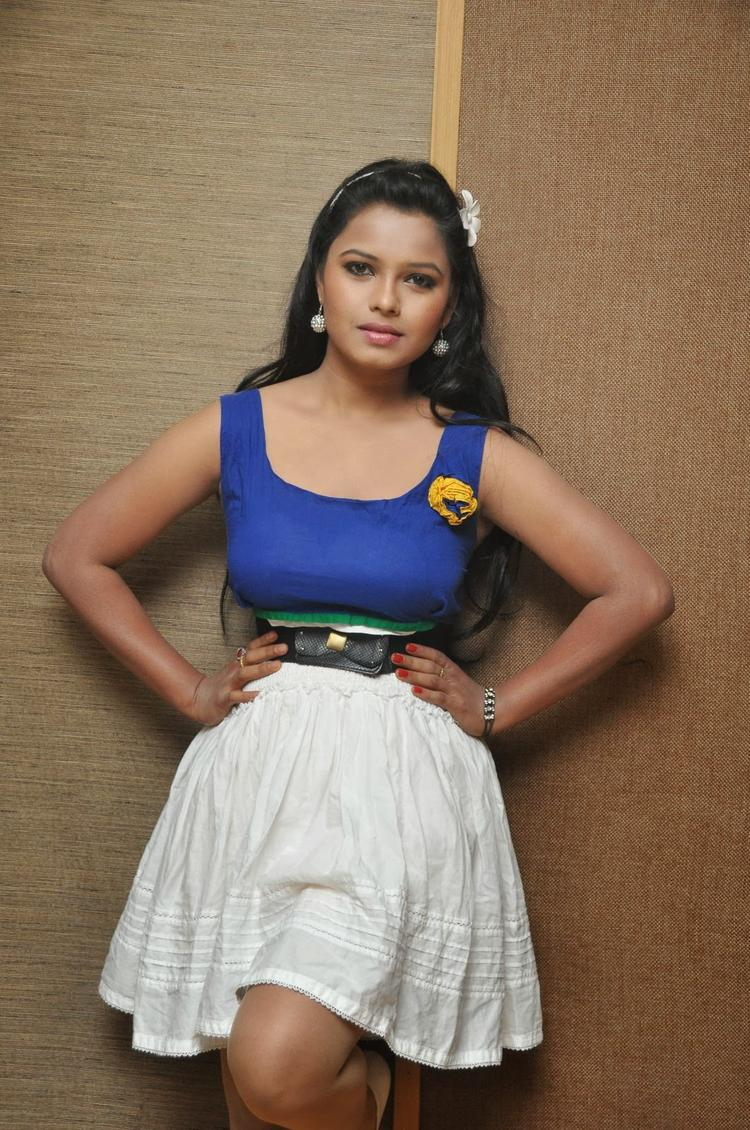 Hot Naveena Jackson Clicked At Daughter Of Varma Movie Interview