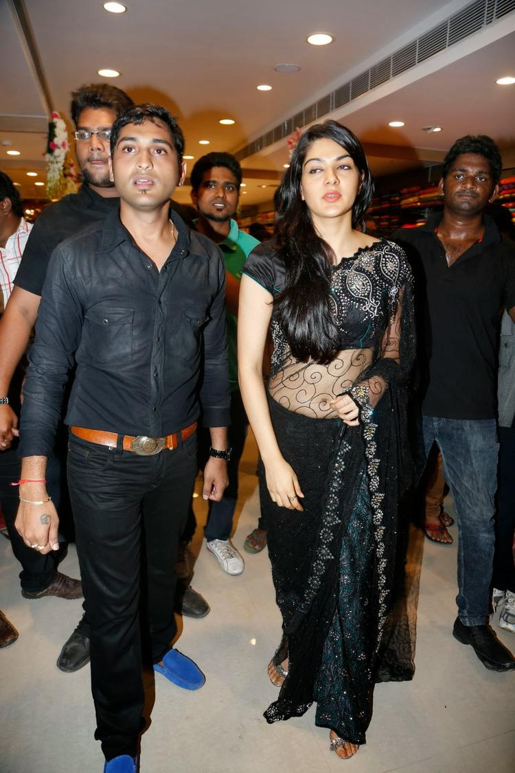 Sakshi Choudhary In Black Saree Attend The Kalamandir Store Launch Event