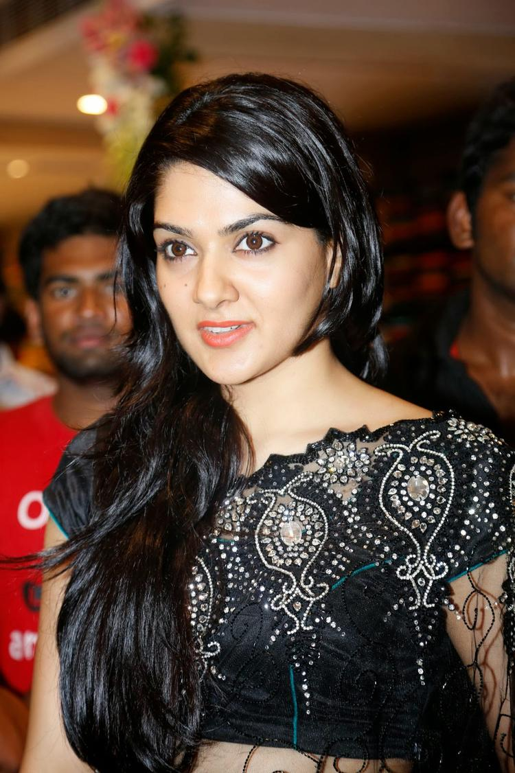 Sakshi Choudhary In Black Saree Dazzling Face Look During The Launch Of Kalamandir Store