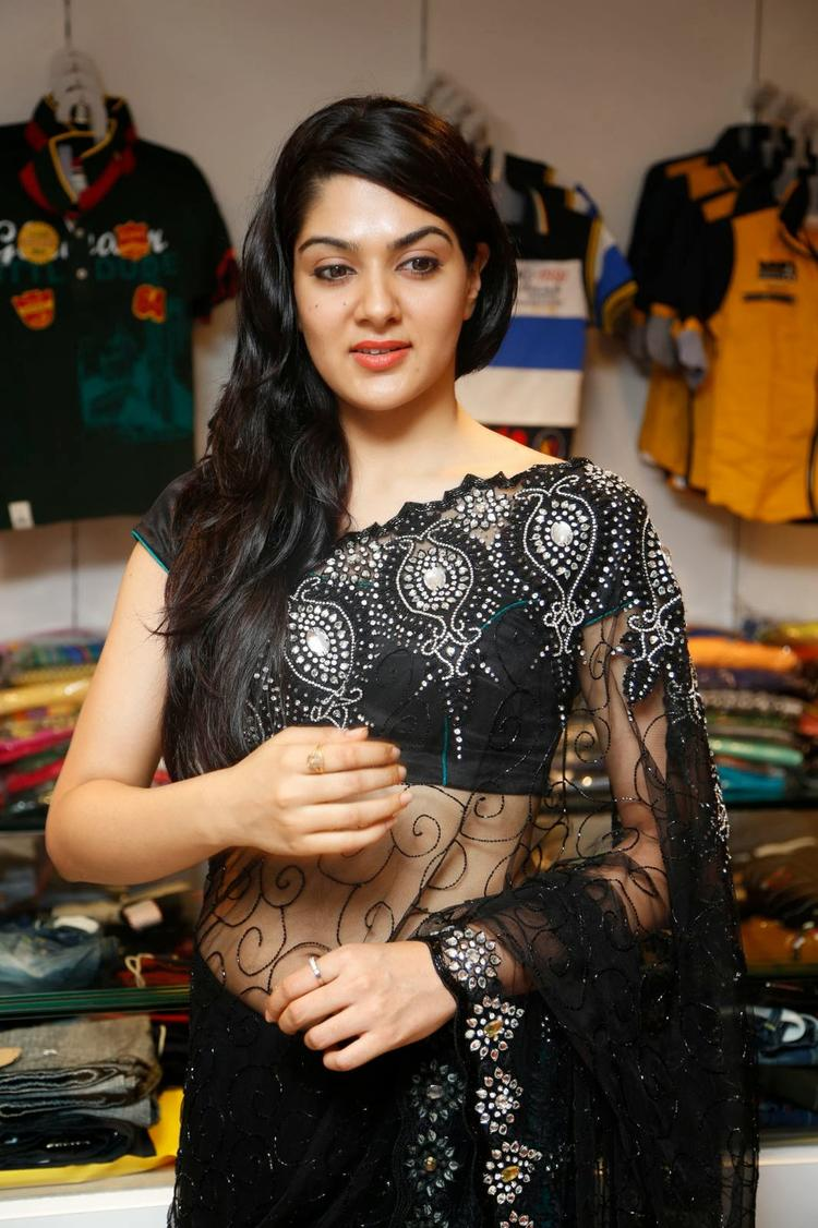 Sakshi Choudhary In Black Saree Spicy Look At Kalamandir Store Launch Event