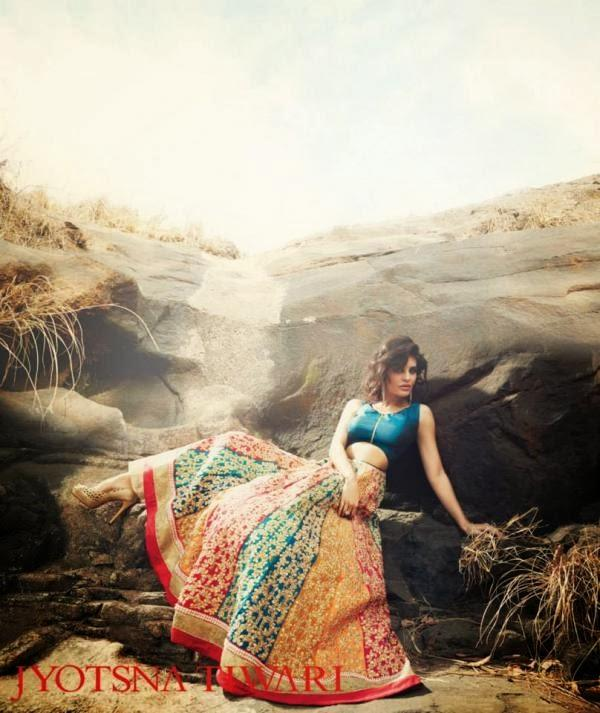 Jacqueline Fernandez Spicy Look For Jyotsna Tiwari Couture Collection 2013