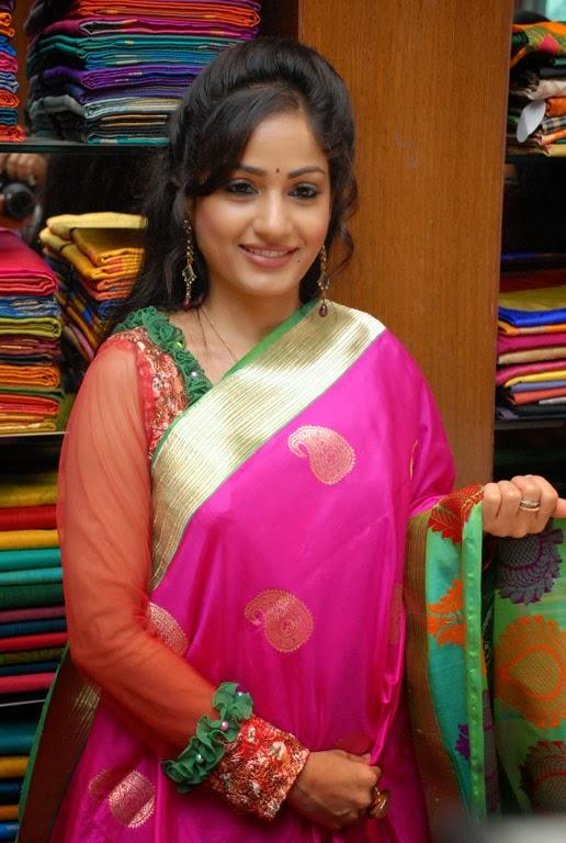 Madhavi Latha Charming Face Look At Sreeja Fashions South Silk Festival 2013 Launching Event